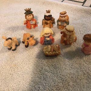 Vintage  9 piece Nativity scene